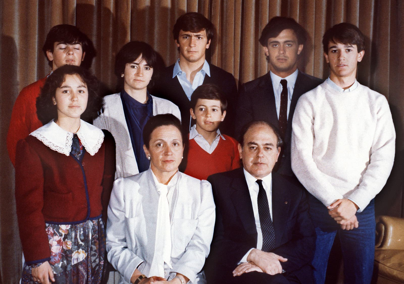 Jordi Pujol i Marta Ferrusola amb els seus set fills en una foto de família de 1986. Fotografia Efe
