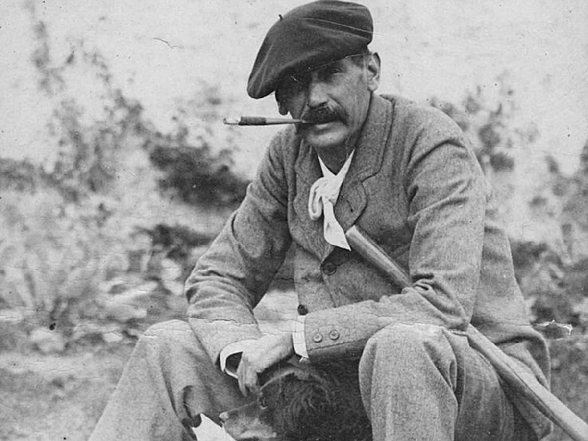Benito Pérez Galdós amb el seu gos el 1894 en una foto exposada a la Casa-Museo Galdós de Las Palmas.