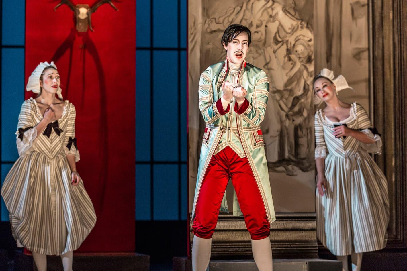 Una escena de Le nozze di Figaro al Teatre dels Estats de Praga.