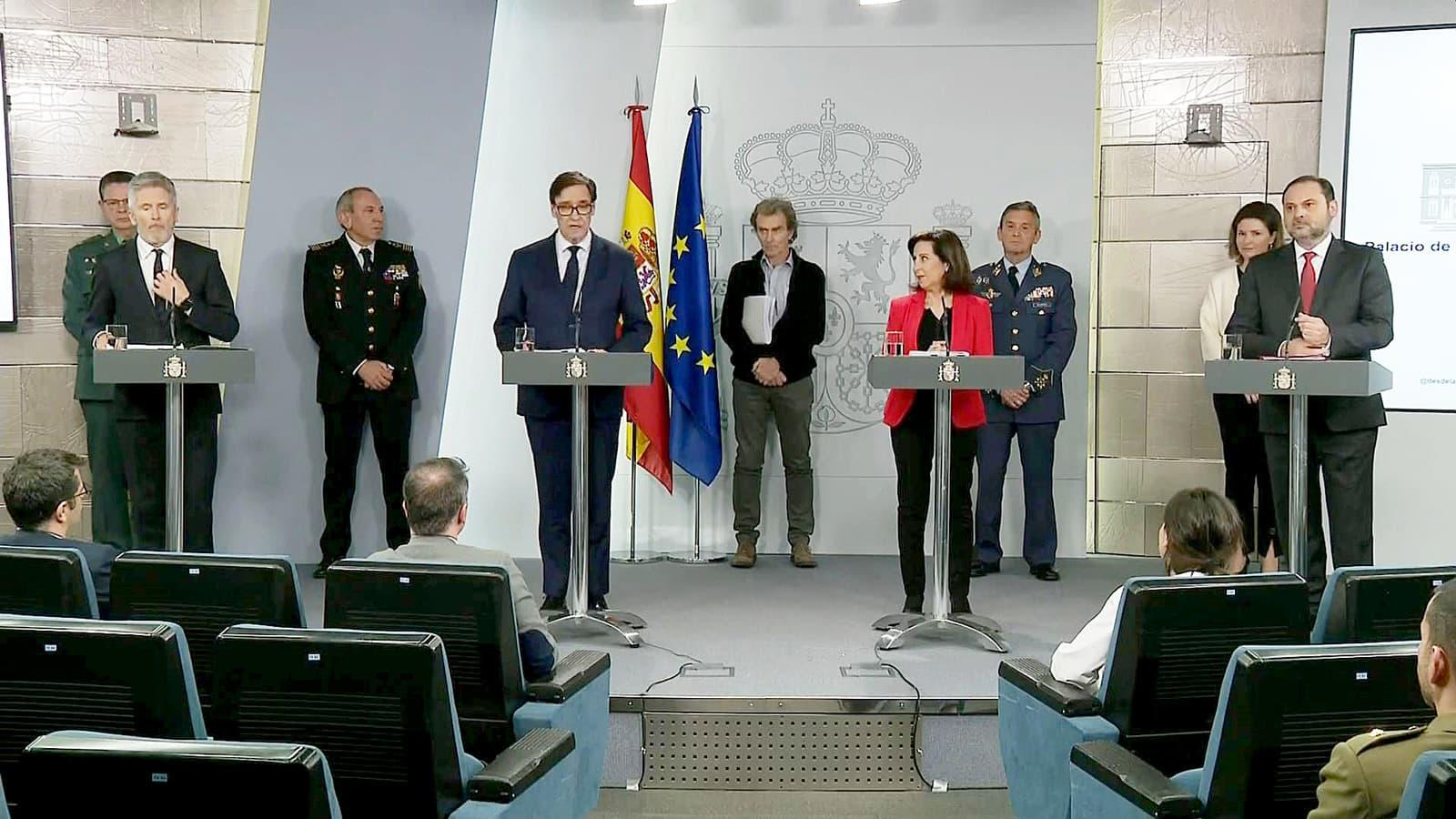 Multitudinària compareixença al Palau de la Moncloa el 15 de març. Fotografia d'Efe