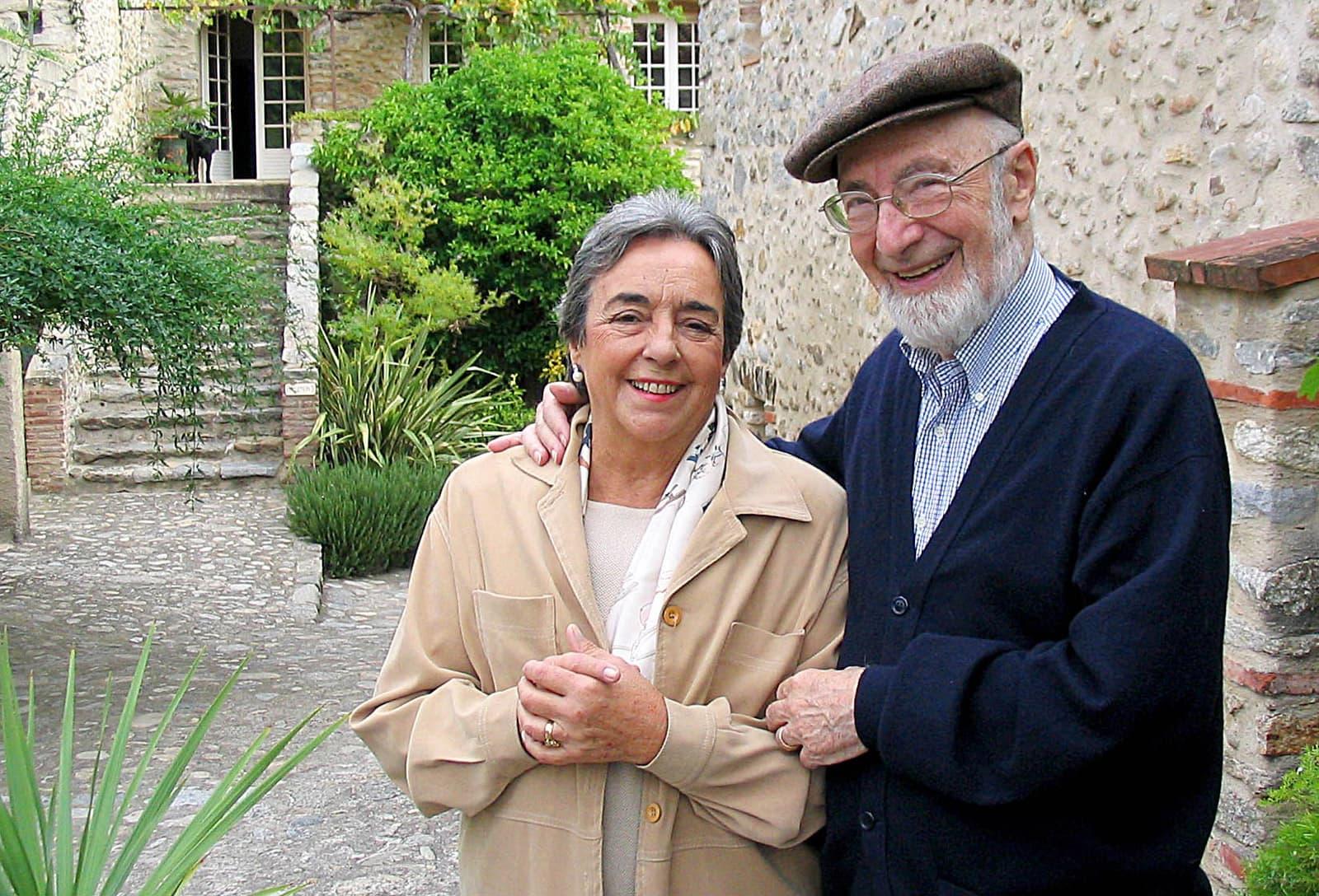Llorenç Gomis, fundador i director de El Ciervo durant 50 anys, i la seva dona Rosario Bofill.