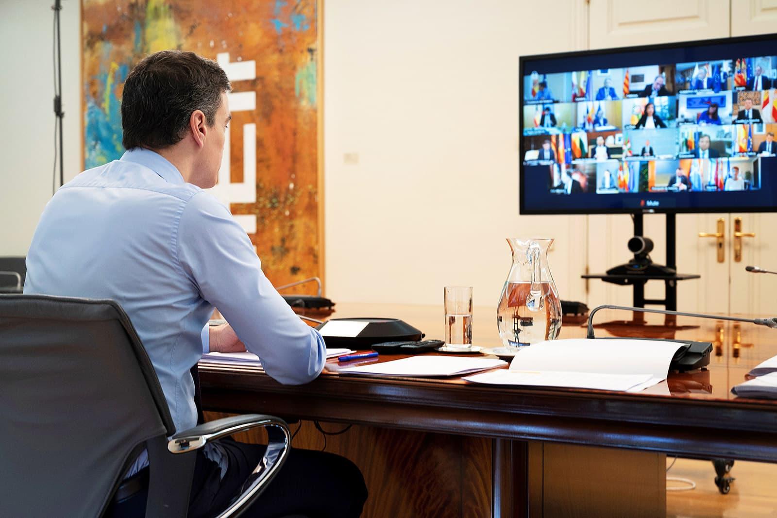 Pedro Sánchez en una de les reunions del mes d'abril amb els presidents autonòmics. Fotografia de Borja Puig de la Bellacasa. Efe