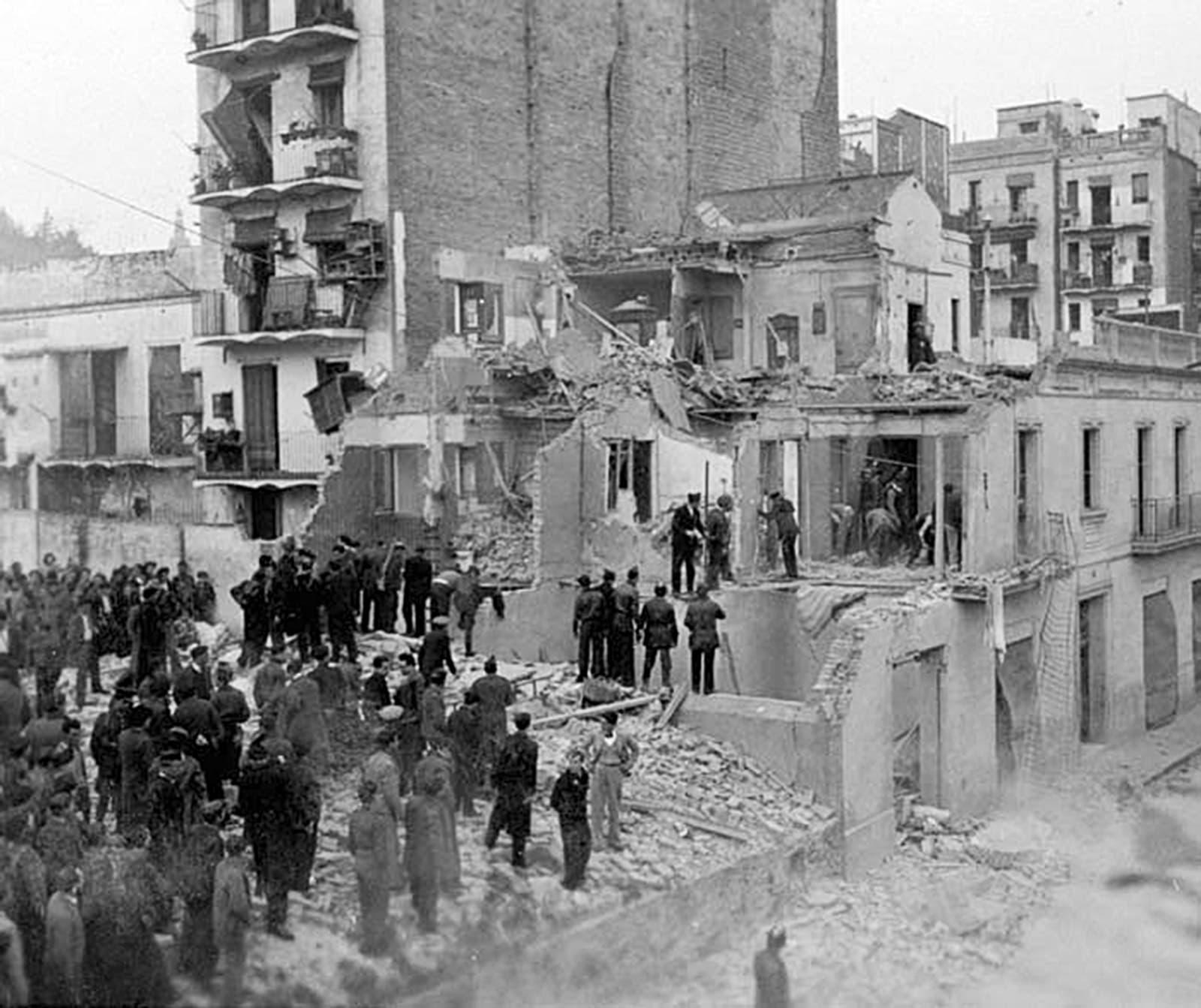 Bombardeig de la Barceloneta, 1937.