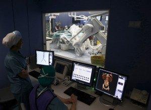 Quiròfans amb robòtica i altres innovacions a la Clínica Universidad de Navarra. Fotografia de Jesus Diges. Efe.