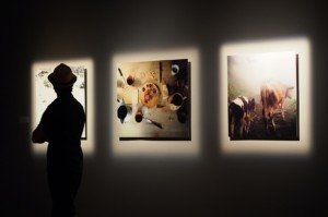 Galeria d'art. Fotografia de Christophe Repiso. Unsplash.