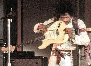 Jimmy Hendrix en un concert el 1968. Fotografia de Michael Ochs. Getty Images.