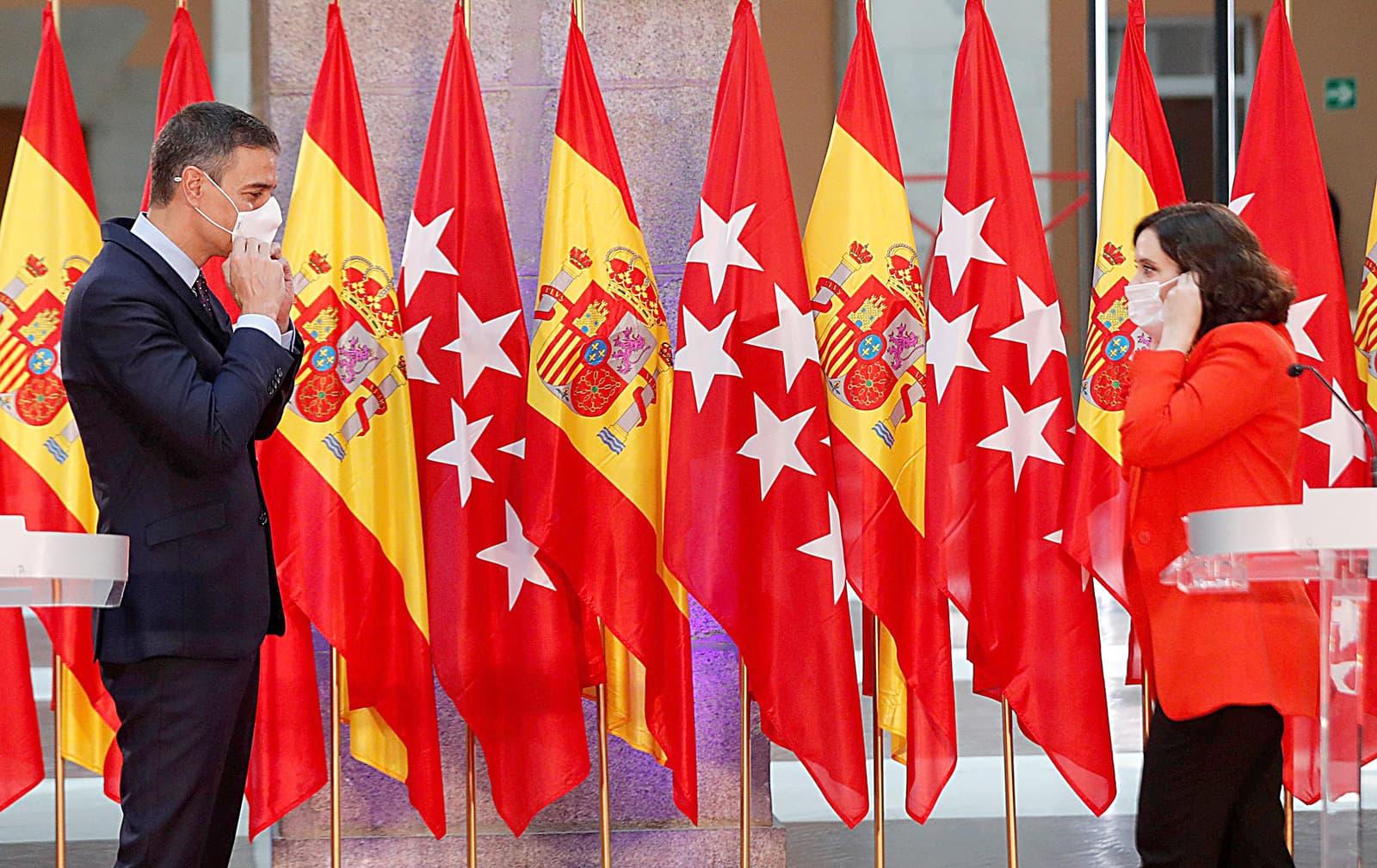 Pedro Sánchez i Isabel Díaz Ayuso a la conferència de premsa conjunta del 21 de setembre. Fotografia d'Emilio Naranjo. Efe.