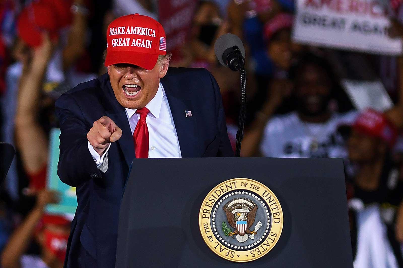 Donald Trump en un míting a Miami el dia 1. Fotografia de Paul Hennessy. Zuma Wire.
