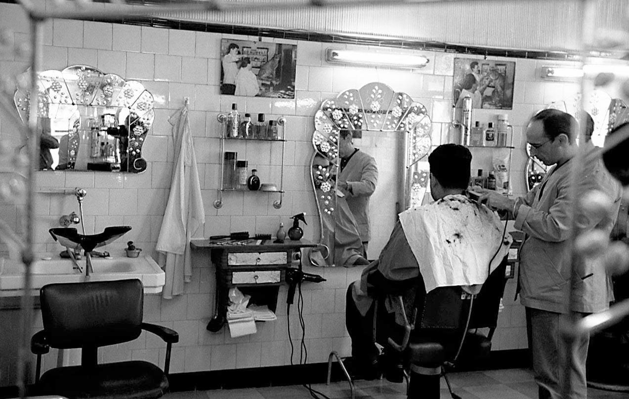 Una barberia antiga de Barcelona. Fotografia de Xavier Jubierre.