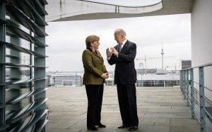 Joe Biden, quan era vicepresident, amb Angela Merkel a Berlín, el 2013. Fotografia de Steffen Kugler. Getty Images.
