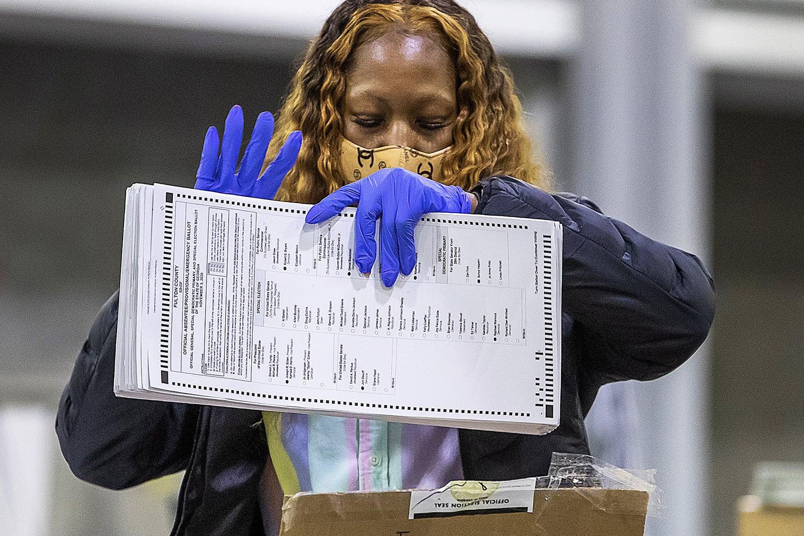 Recompte de vots a un col·legi electoral d'Atlanta, Georgia. Fotografia d'Erik S. Lesser. Efe.