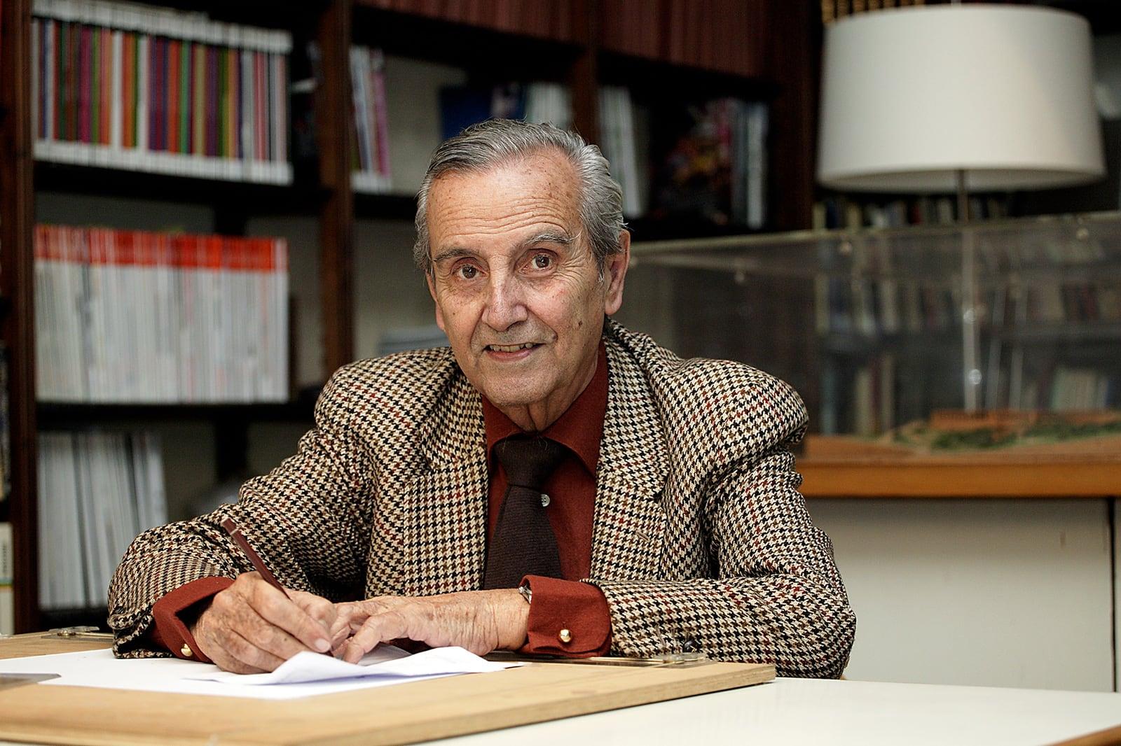 Federico Correa fotografiat per Christian en una imatge cedida per l'Arxiu Històric del COAC.