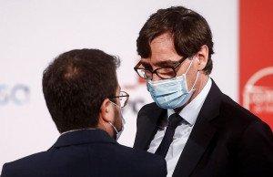 Salvador Illa i Pere Aragonès junts en un acte a Barcelona, el 21 de desembre. Fotografia de Quique García. Efe.