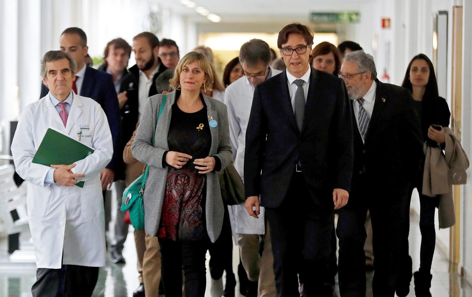 El ministro de Sanidad, Salvador Illa y la consejera de Sanidad, Alba Vergés, en el Hospital Clínico en una reunión para evaluar la evolución de la Covid, en febrero pasado. Fotografía de Toni Albir. Efe.
