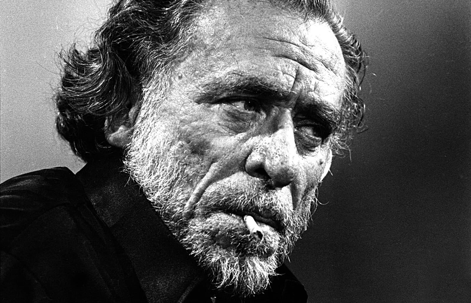 Charles Bukowski retratat a París, el setembre del 1978. Fotografia d'Ulf Andersen. Getty Images.