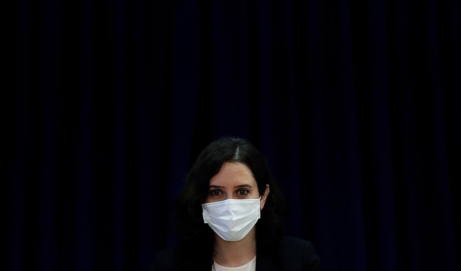 Isabel Díaz Ayuso en un acte de suport a l'hostaleria, el 3 de març a Pozuelo de Alarcón. Fotografia de Juan Carlos Hidalgo. Efe.
