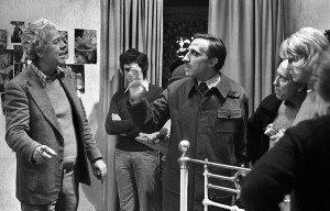 Luis García Berlanga, a l'esquerra, amb José Sazatornil, José Luis López Vázquez i Barbara Rey durant el rodatge de La escopeta nacional, el desembre del 1977. Fotografia d'Efe.