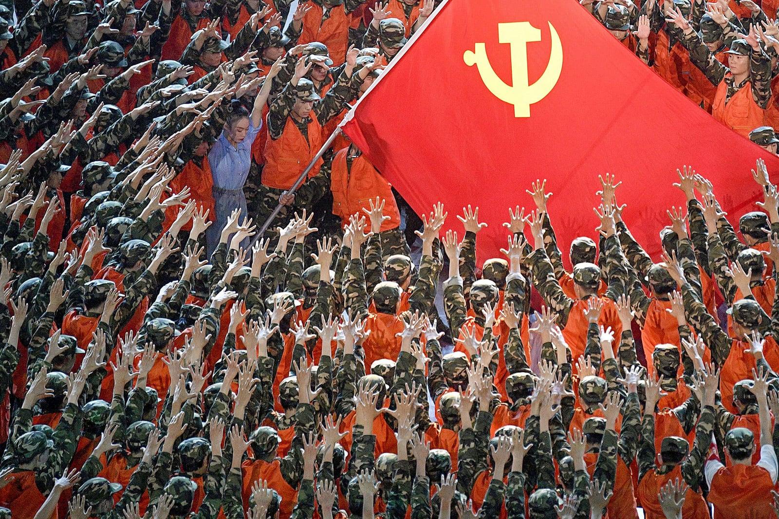 Espectacle commemoratiu del centenari del Partit Comunista Xinès, a l'estadi Nacional de Beijing, el 28 de juny. Fotografia de Kyodo. Efe.