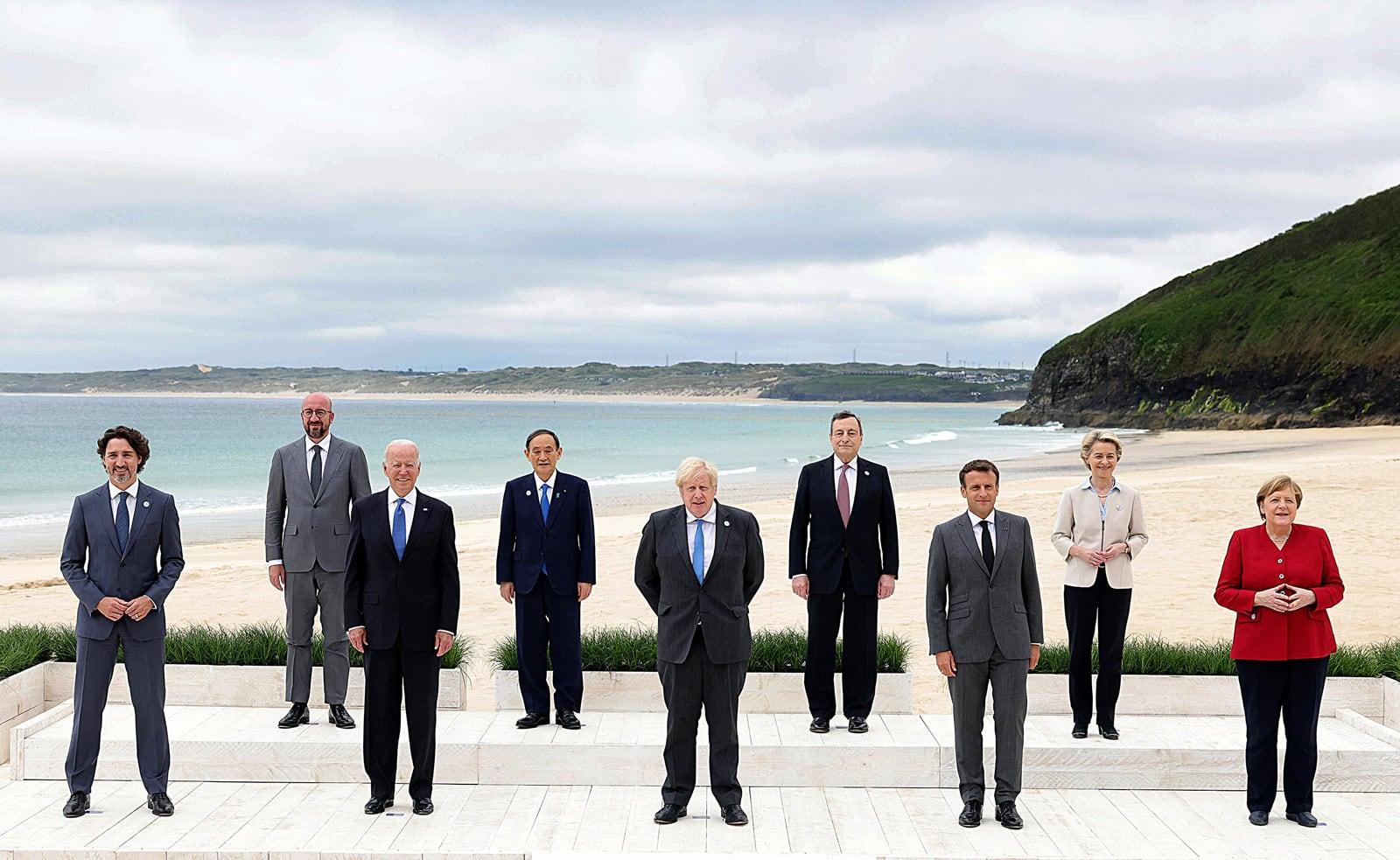 Joe Biden a la fotografia de família de la cimera del G7, el 13 de juny a Cornualles. Fotografia d'Andrew Parsons via Efe.