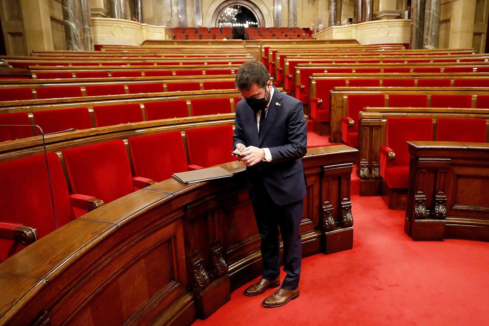 El president de la Generalitat, Pere Aragonès, després de ser elegit, el 25 de maig. Fotografia d'Alberto Estévez. Efe.