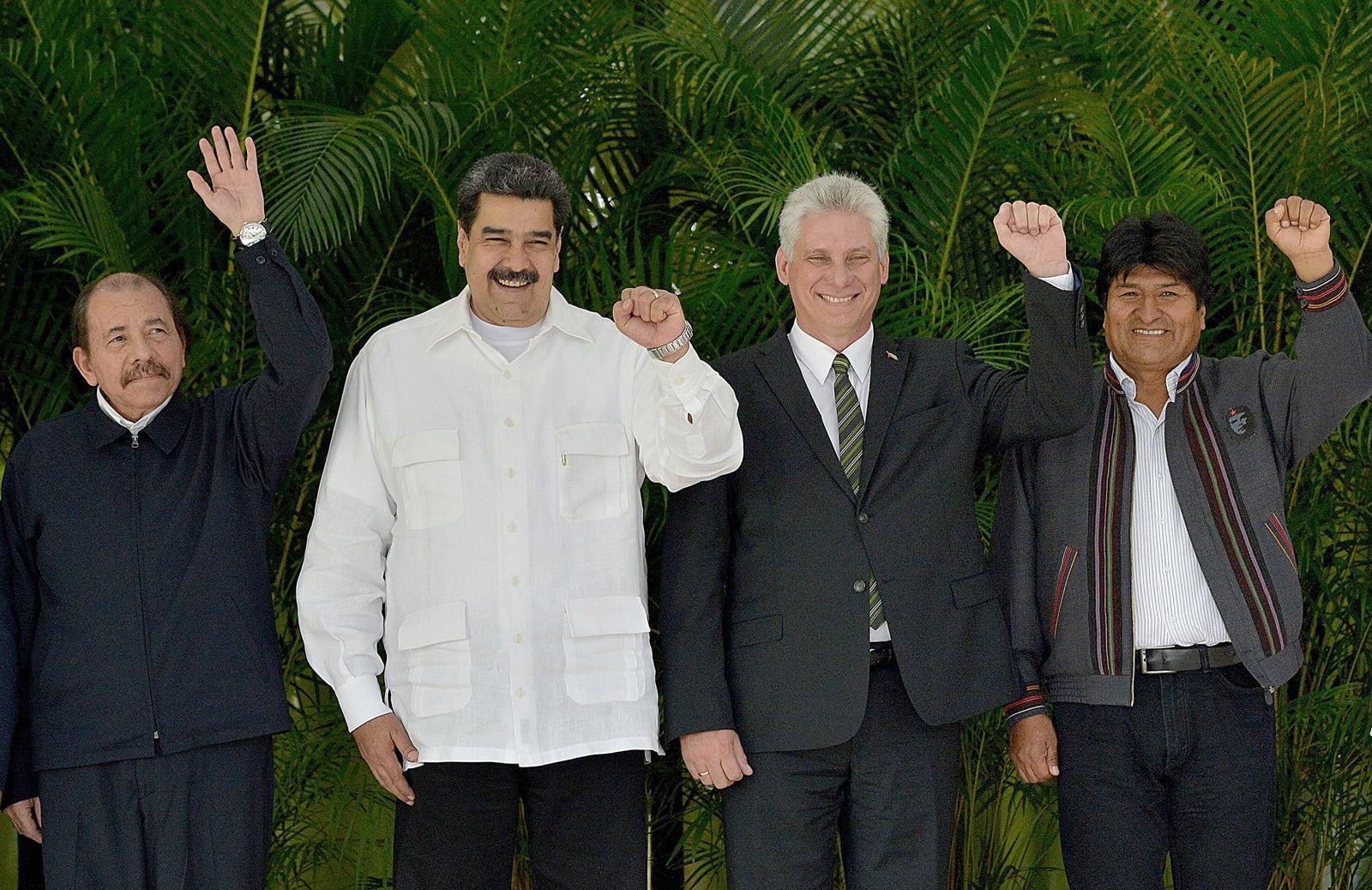 El president de Nicaragua, Daniel Ortega; de Venezuela, Nicolás Maduro; de Cuba, Miguel Díaz-Canel i de Bolivia, Evo Morales, a una cimera a L'Havana, el 2018. Fotografia de Yamil Lage. AFP. Getty Images.